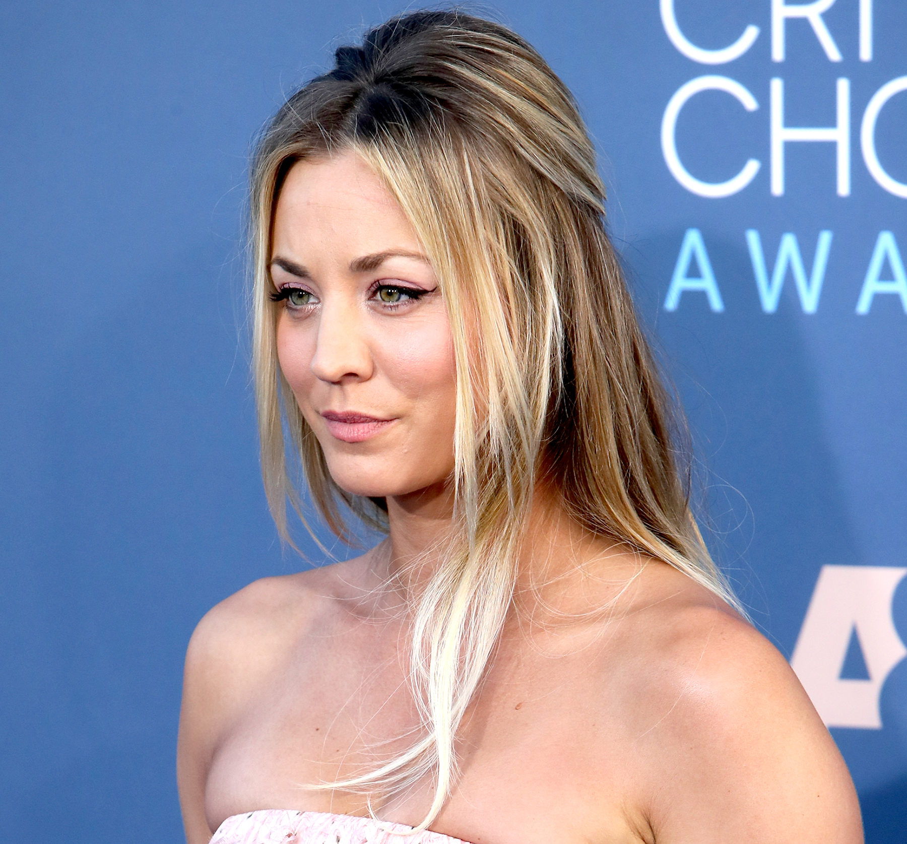 Kaley Cuoco attends the 22nd Annual Critics' Choice Awards at Barker Hangar on December 11, 2016 in Santa Monica, California.