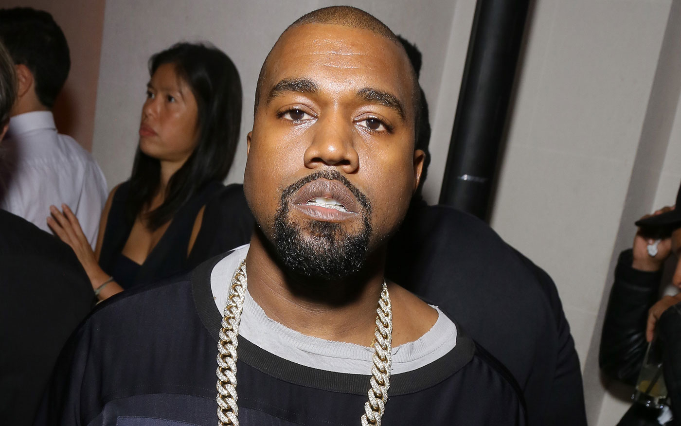 92f8528774 Kanye West Responds to Amber Rose s X-Rated Tweets About His Ass!