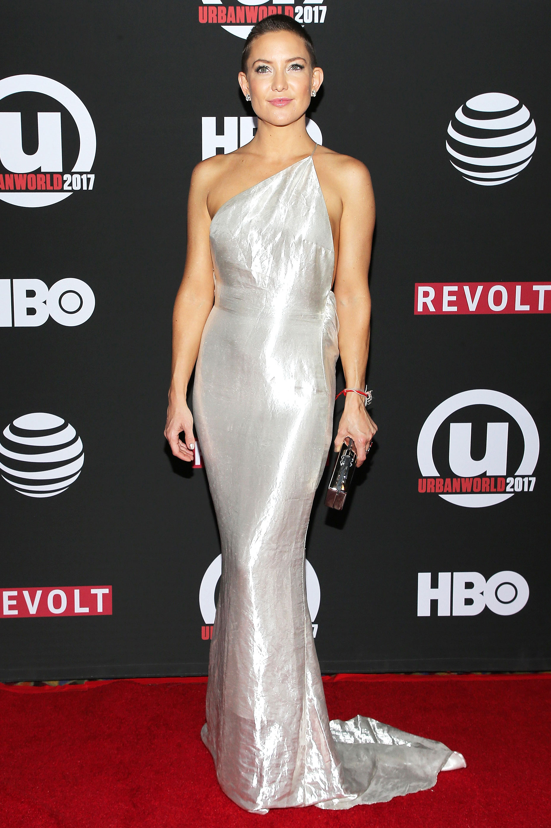 Kate Hudson Rocks Shaved Head Stella Mccartney Gown