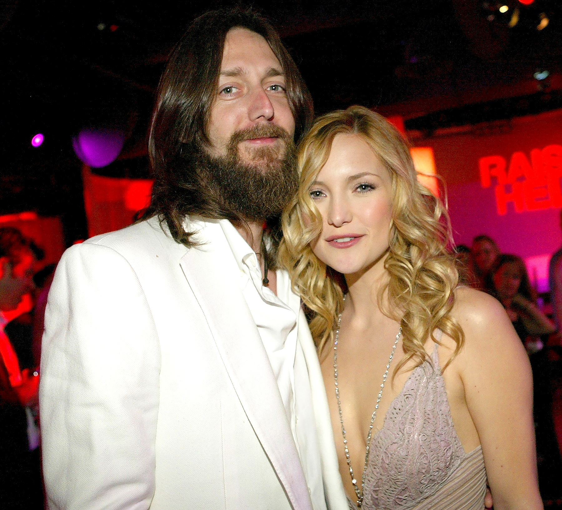 """Kate Hudson and Chris Robinson pose as they attend the film premiere after party for the romantic comedy """"Raising Helen"""" at the Highlands on May 26, 2004 in Hollywood, California."""