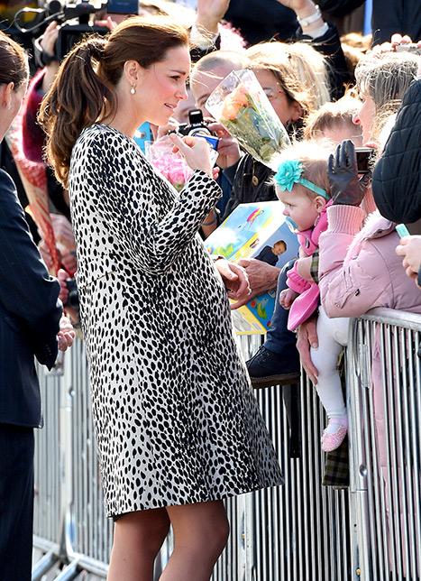 Kate crowd