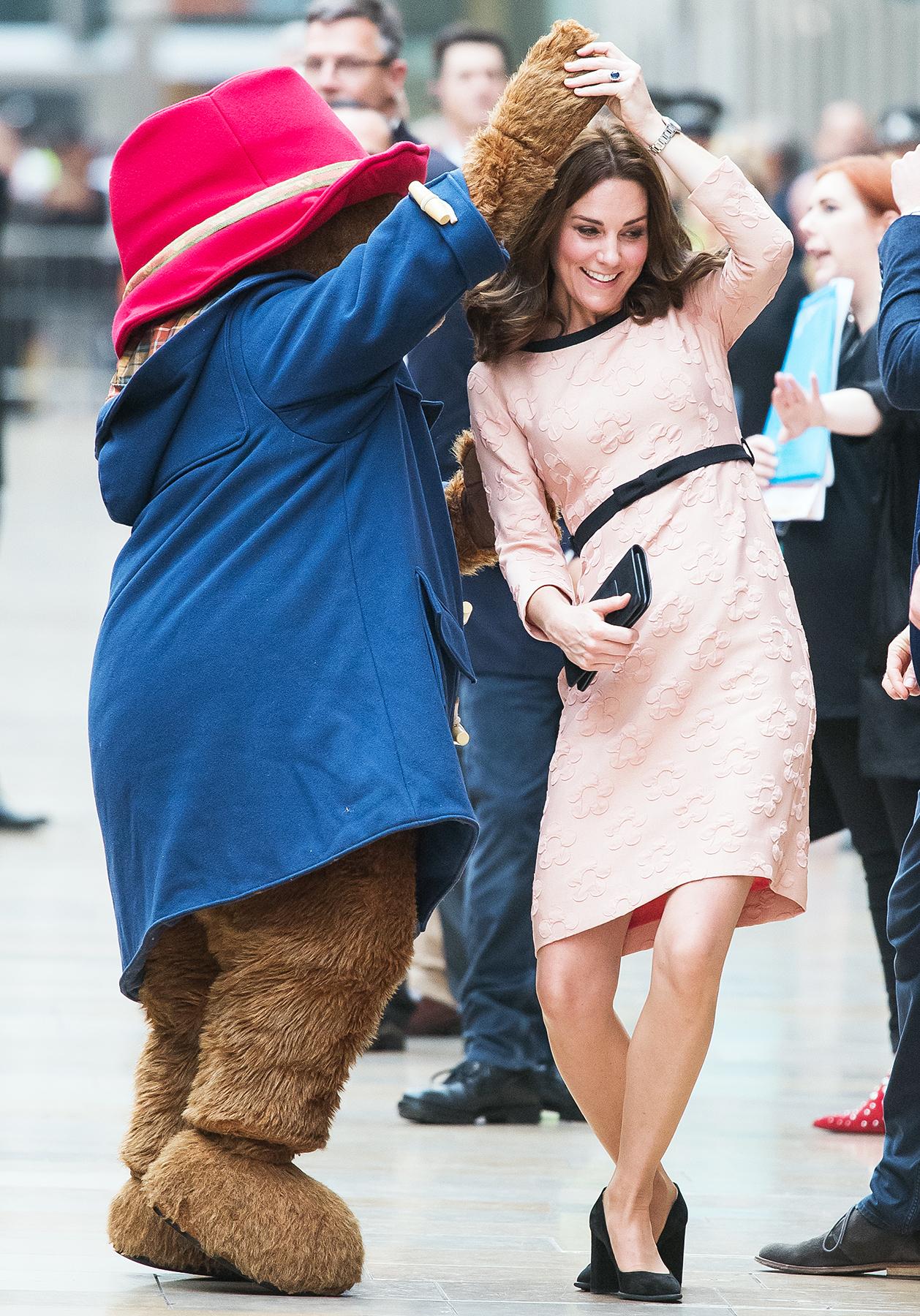 Kate Middleton, Paddington Bear, dancing