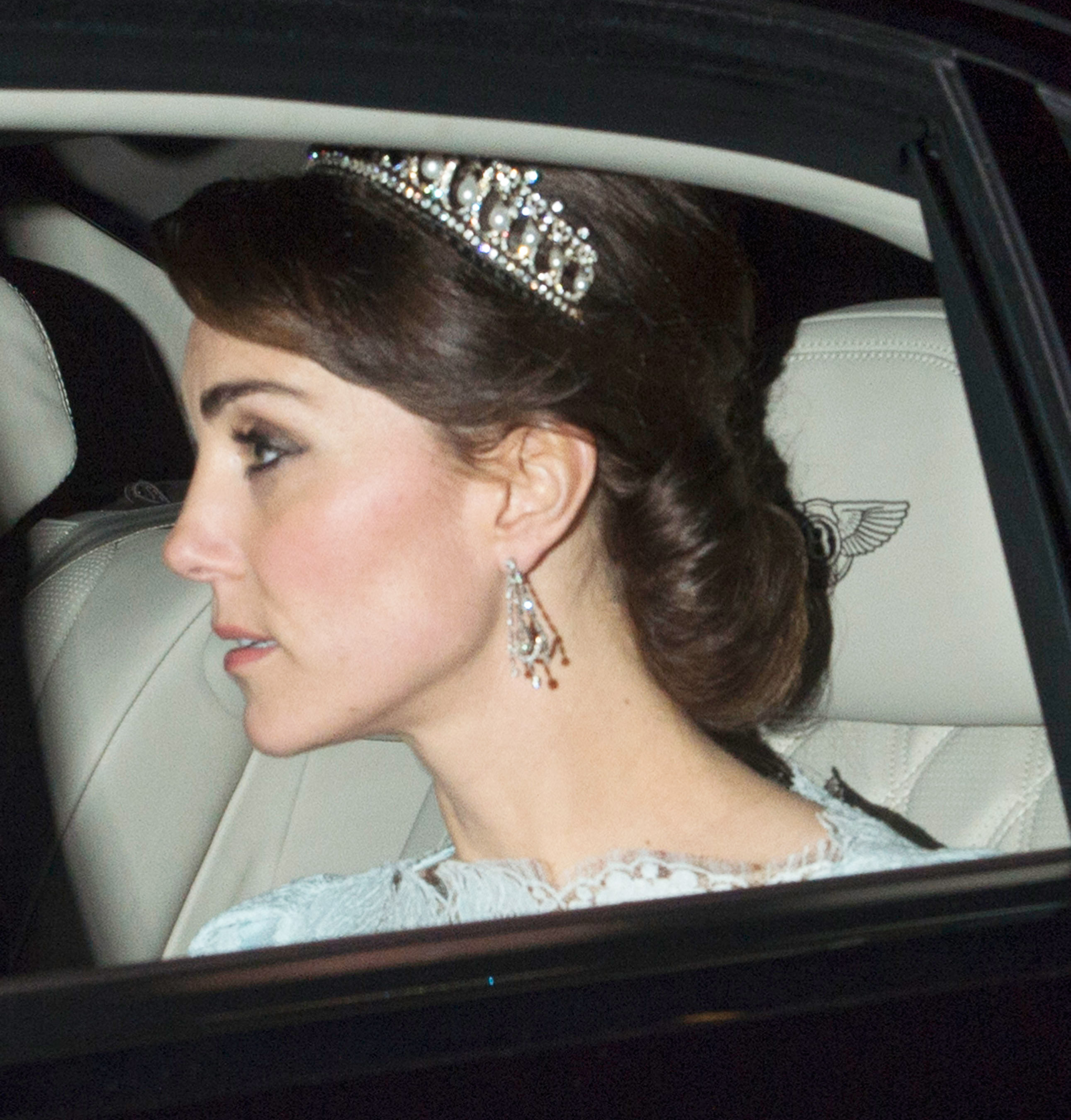 Kate Middleton Wears One Of Princess Dianas Beloved Tiaras Photos