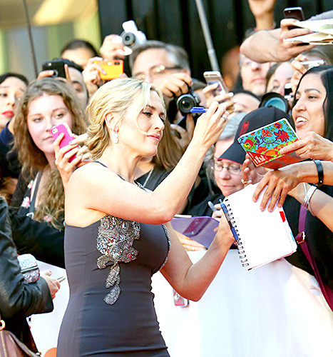 Kate Winslet - TIFF (signing autographs)