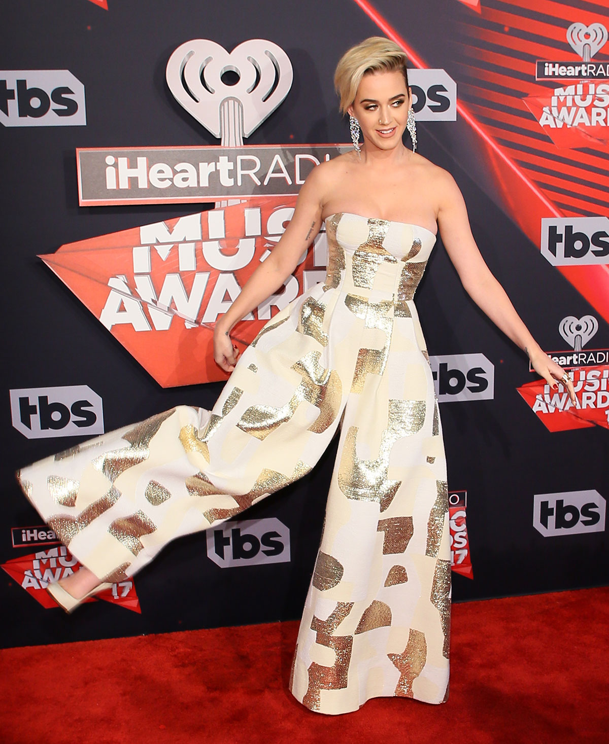 Katy Perry shows off her designer jumpsuit on the iHeartRadio Music Awards 2017 red carpet