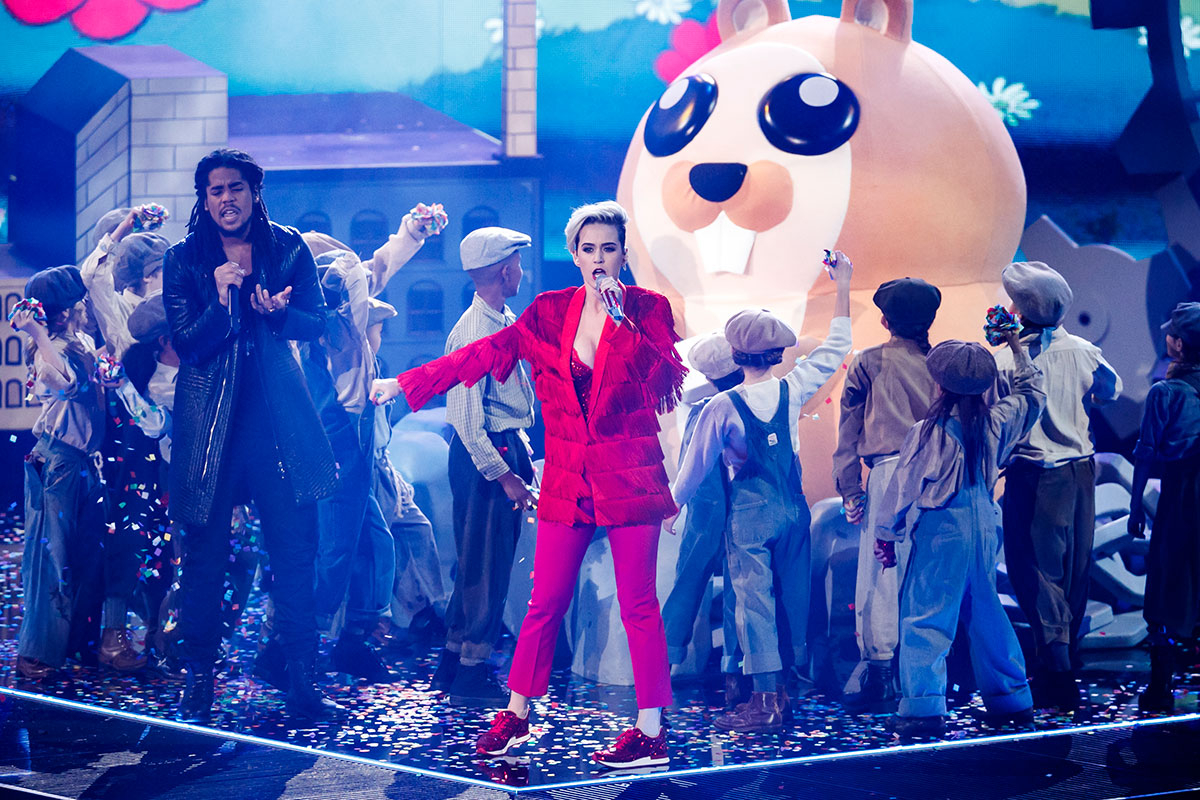 Katy Perry performs at the iHeartRadio Music Awards 2017