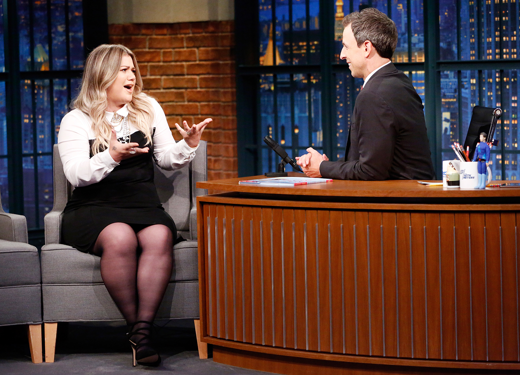 Kelly Clarkson Late Night With Seth Meyers