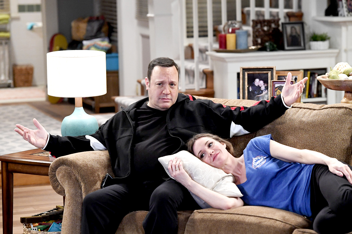 Kevin James and Erinn Hayes on Kevin Can Wait.