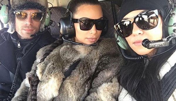 Kim and Kourtney Kardashian before their emergency landing