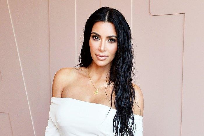 Kim Kardashian Poses Completely Naked in Racy Selfie