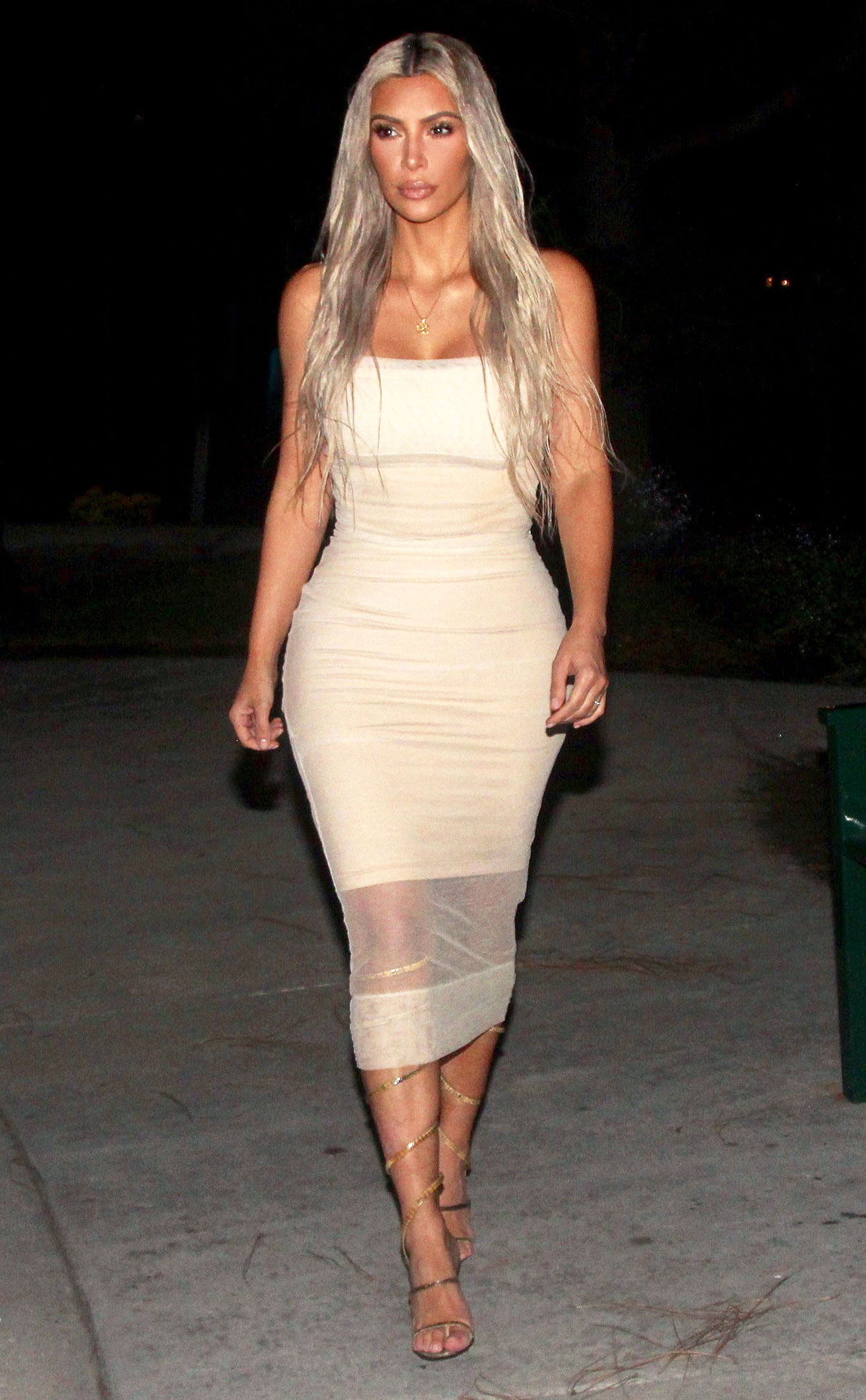 Kim Kardashian came out in a dress with a breasted 12/07/2017 16