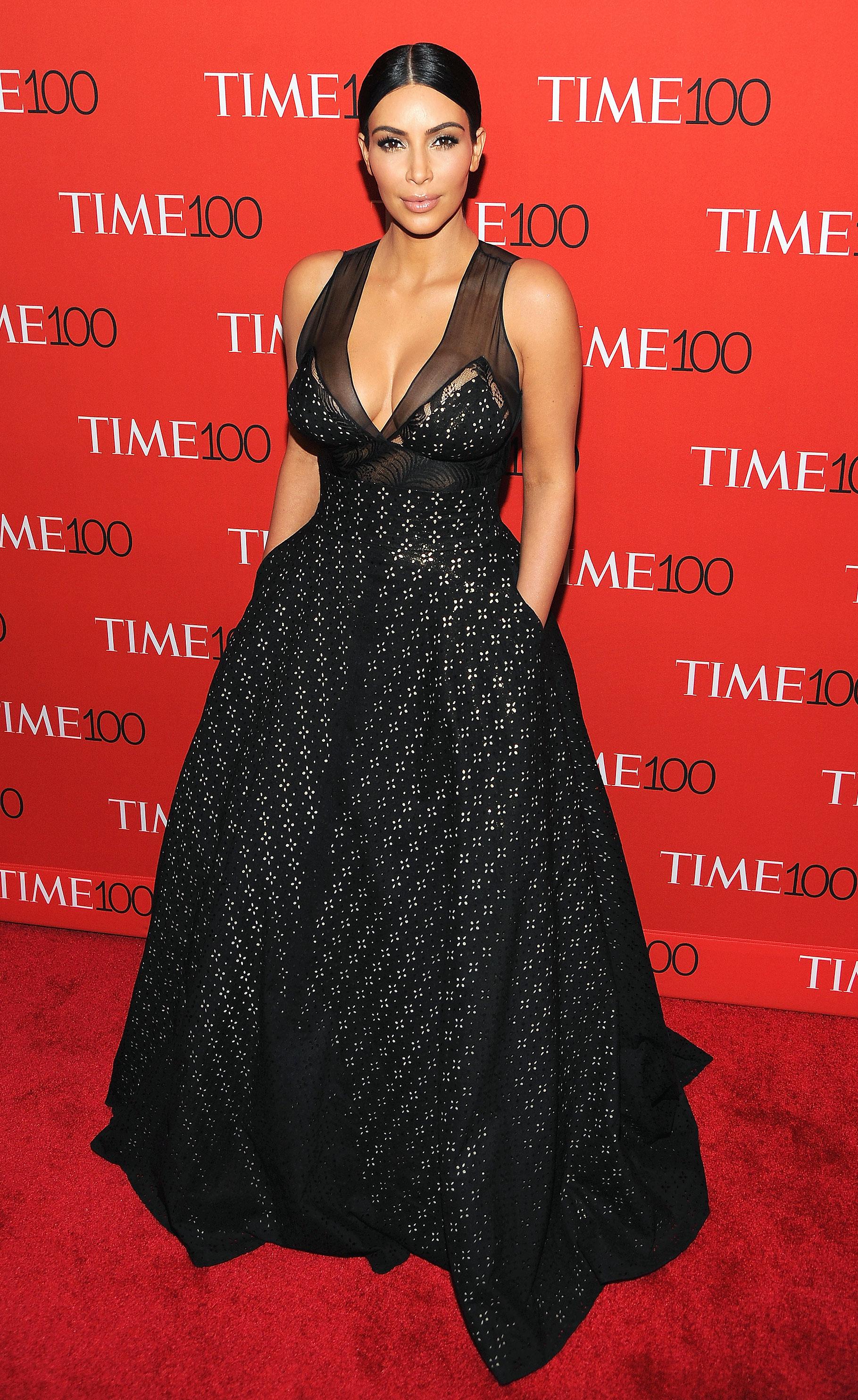 Kim Kardashian\'s Favorite Red Carpet Looks of 2015: Photos