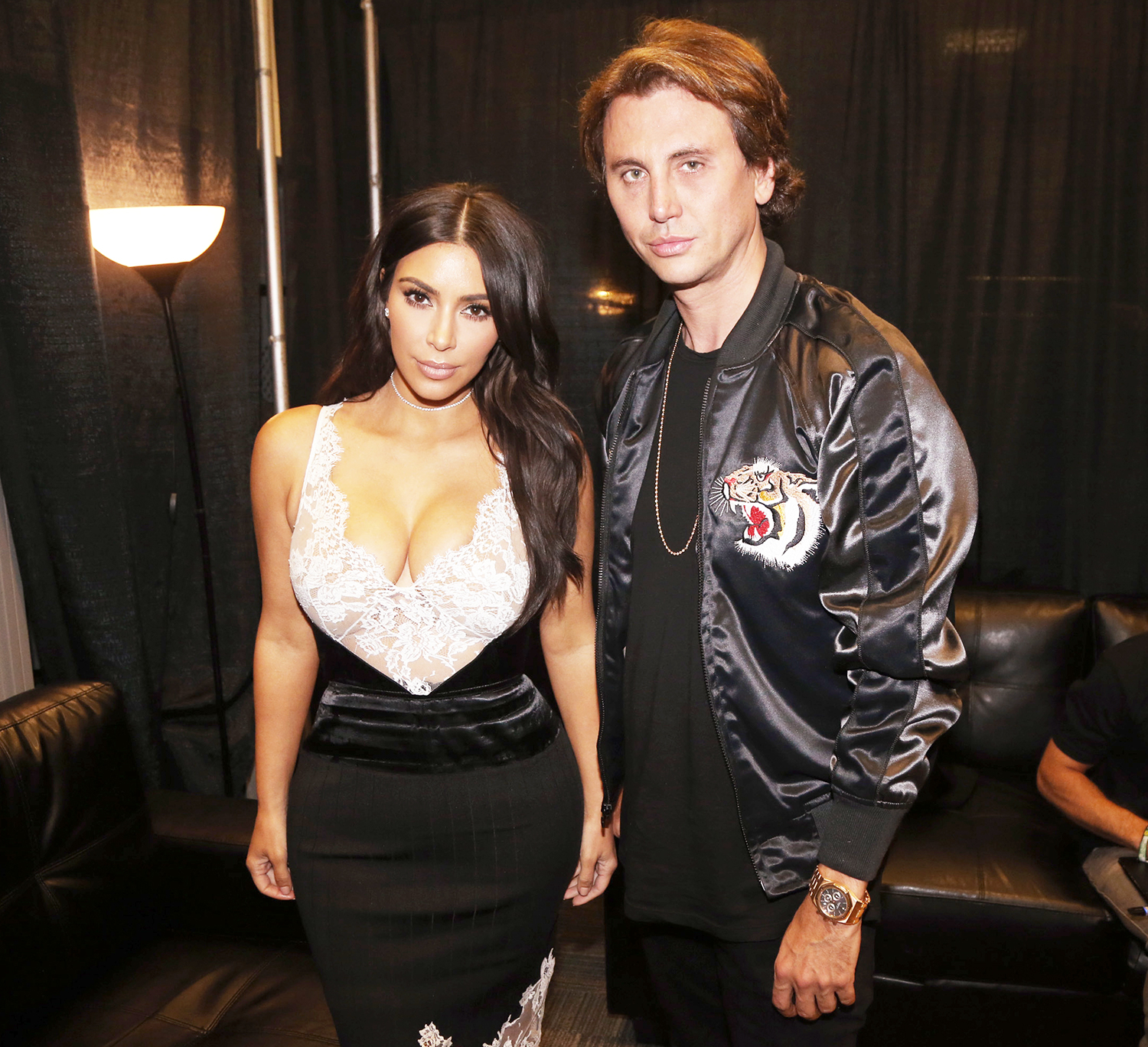 Jonathan Cheban Shows Off Kim Kardashian\'s Massive Christmas Tree
