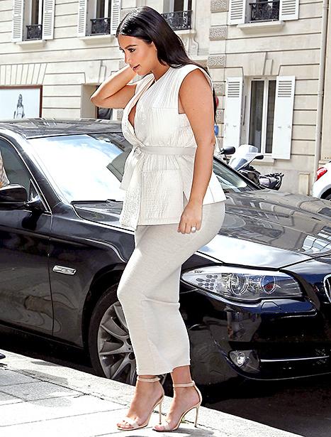 Kim Kardashian white shopping