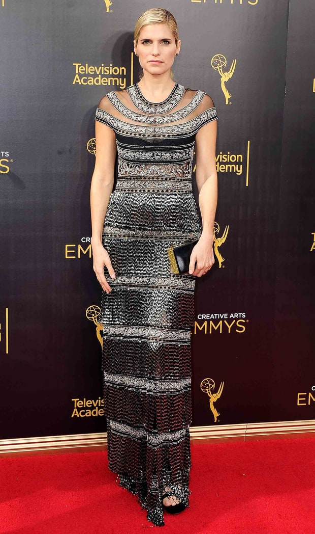Red Carpet Mishaps Lake Bell Suffers Ward...