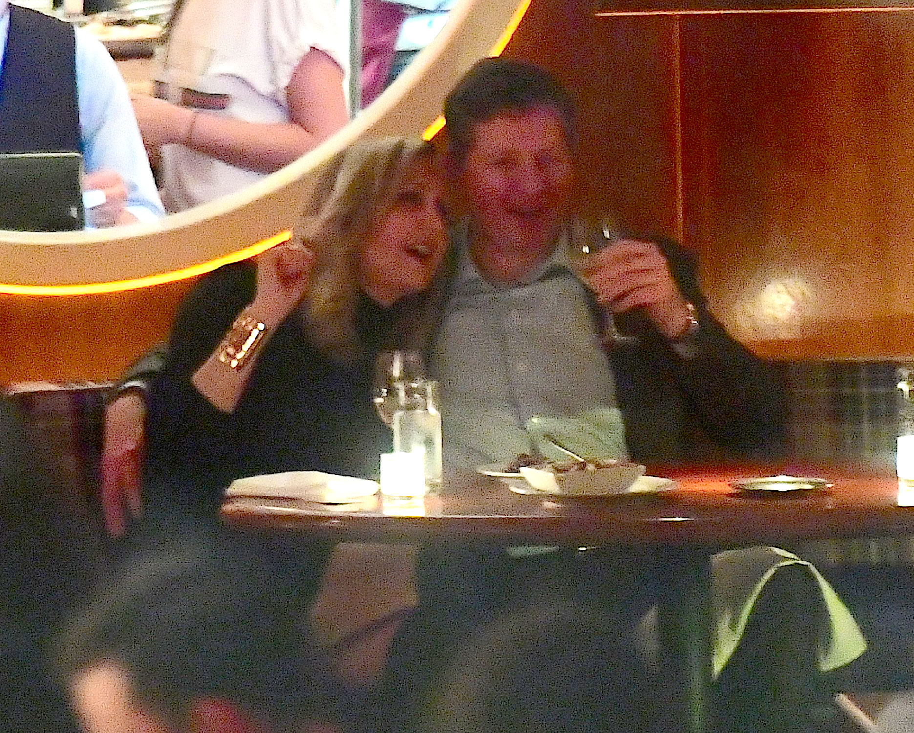Lara Spencer Makes Out With Mystery Guy Find Out Who He Is