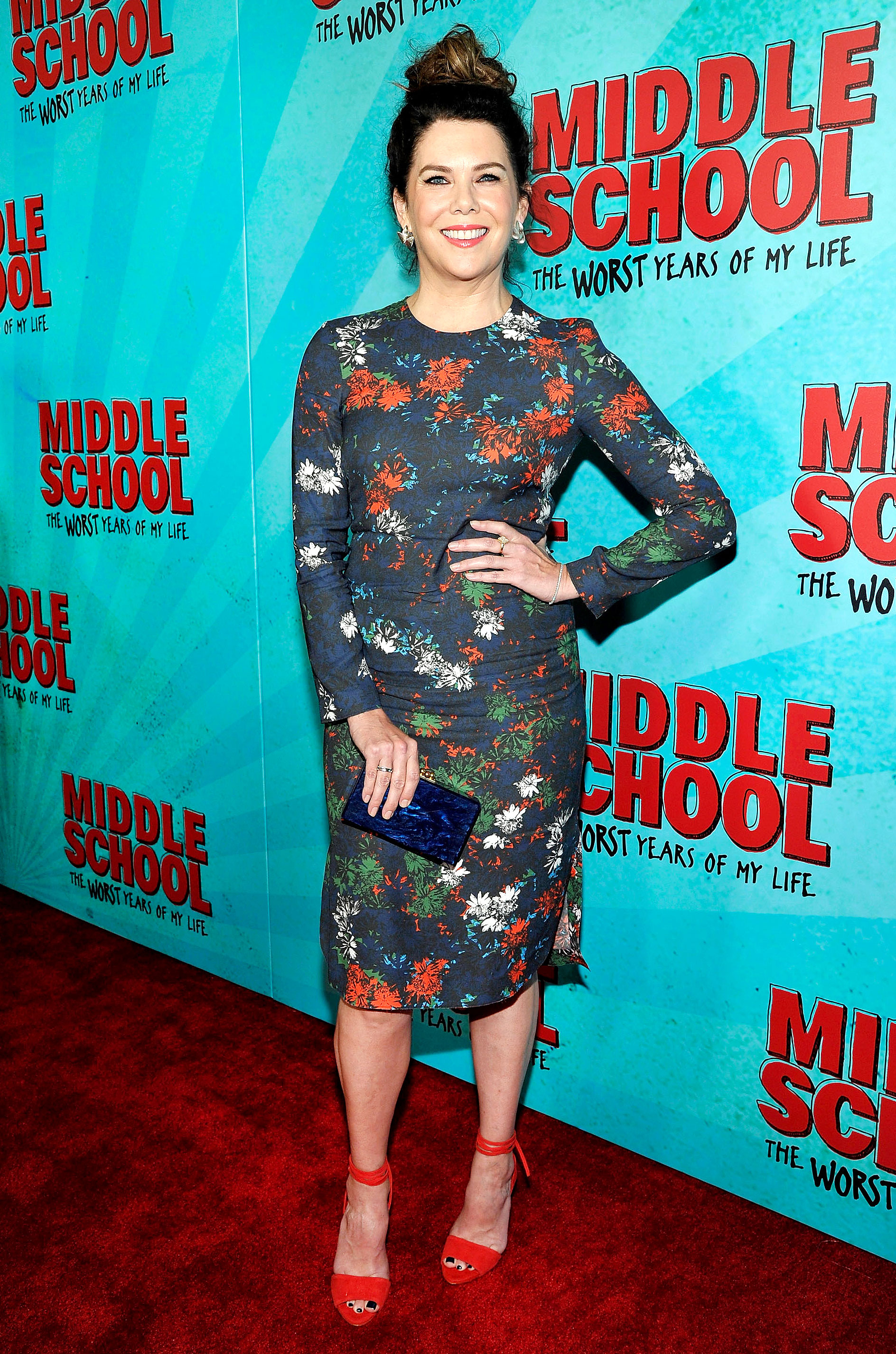 Lauren Graham Swaps Her Loose Waves For Topknot Hairstyle