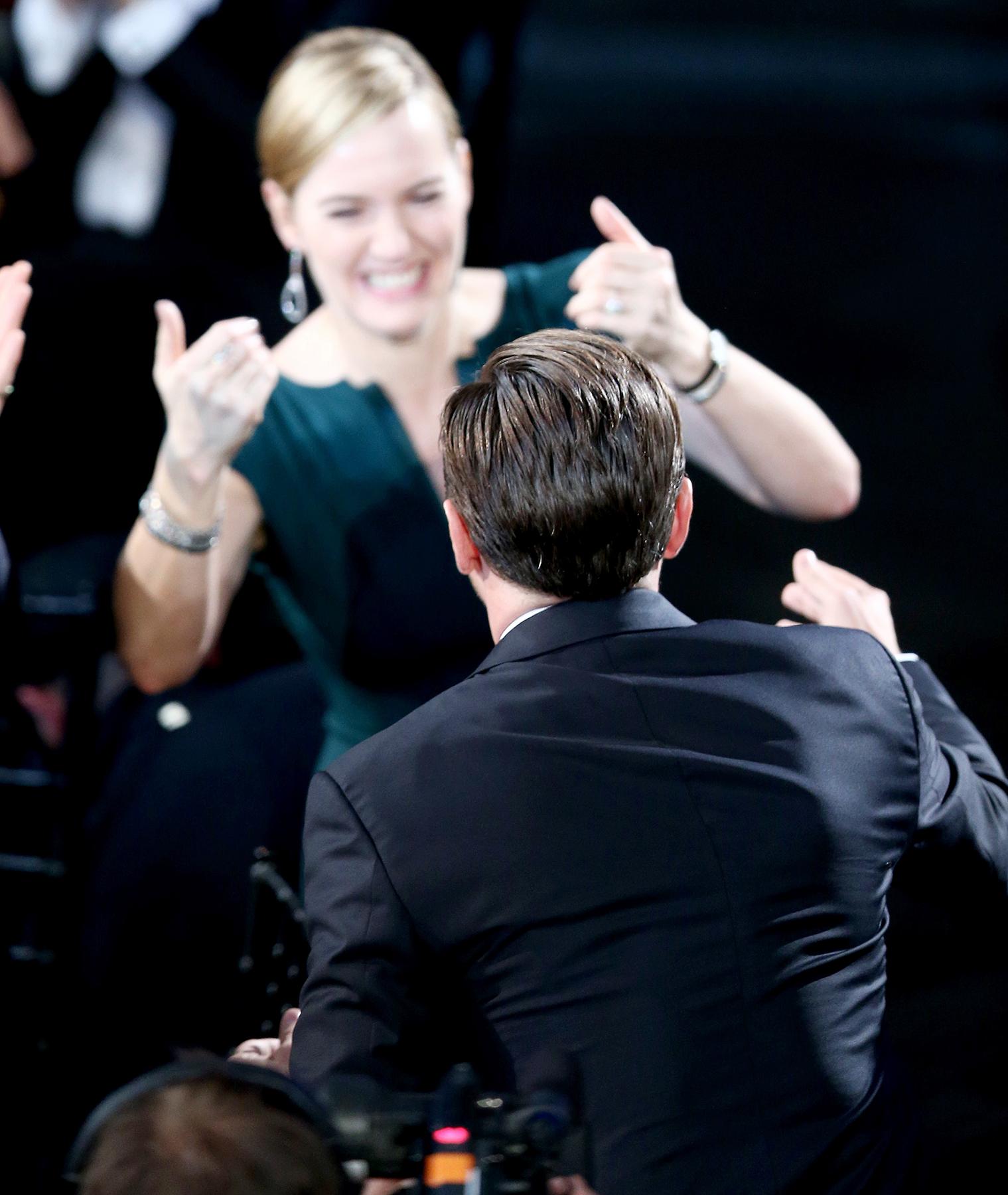 Kate Winslet and Leonardo DiCaprio hugging