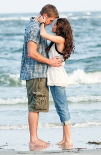 """Liam Hemsworth and Miley Cyrus in """"The Last Song"""""""
