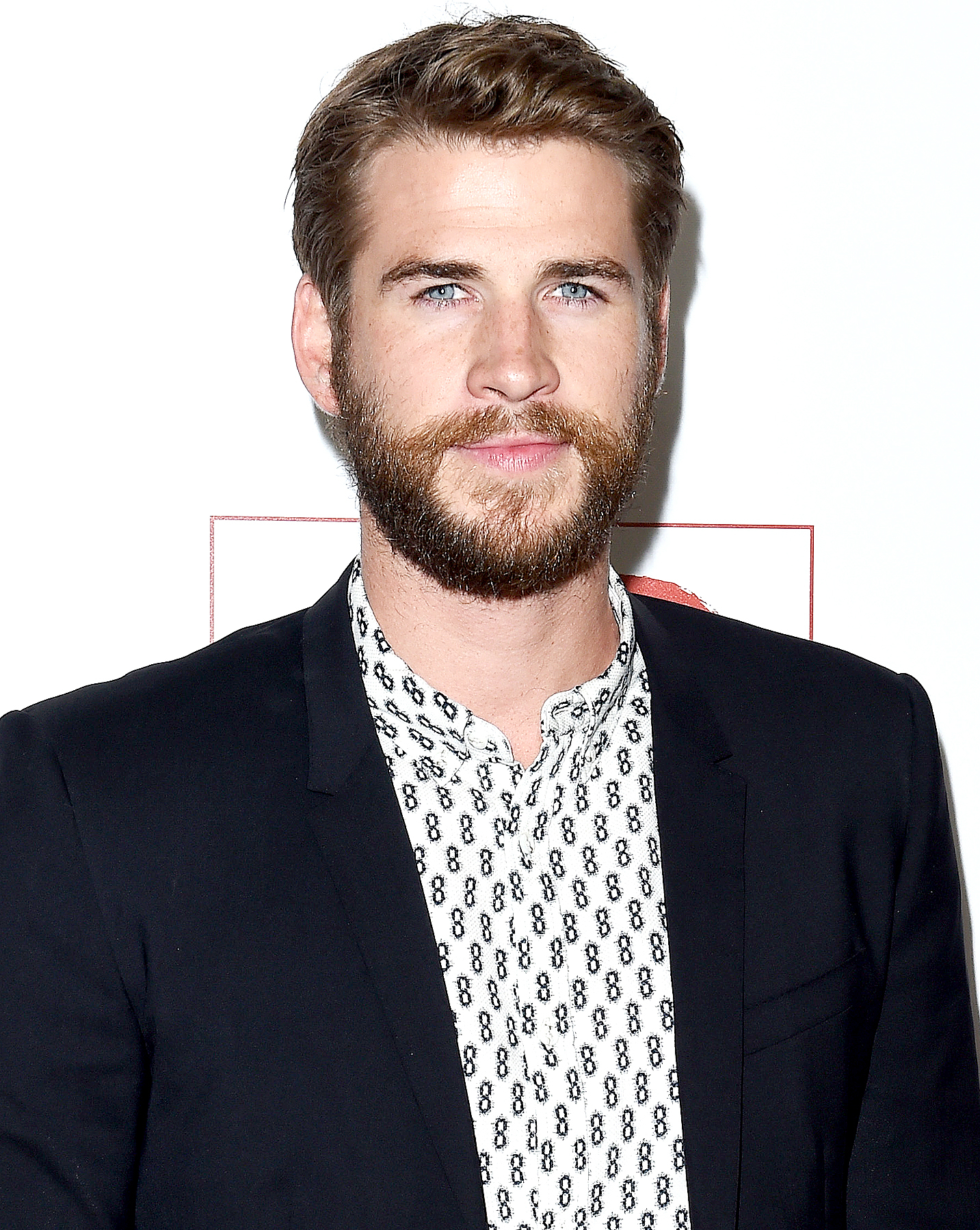 Liam Hemsworth arrives at the 10th Annual GO Campaign Gala at Manuela on November 5, 2016 in Los Angeles, California.