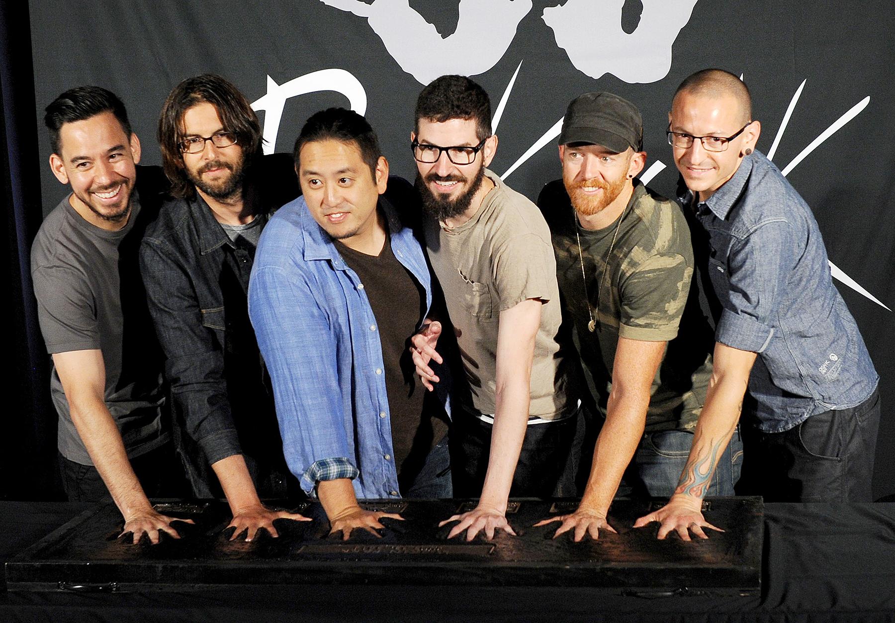 Mike Shinoda Rob Bourdon Joe Hahn Brad Delson Dave 'Phoenix' Farrell Chester Bennington Linkin Park