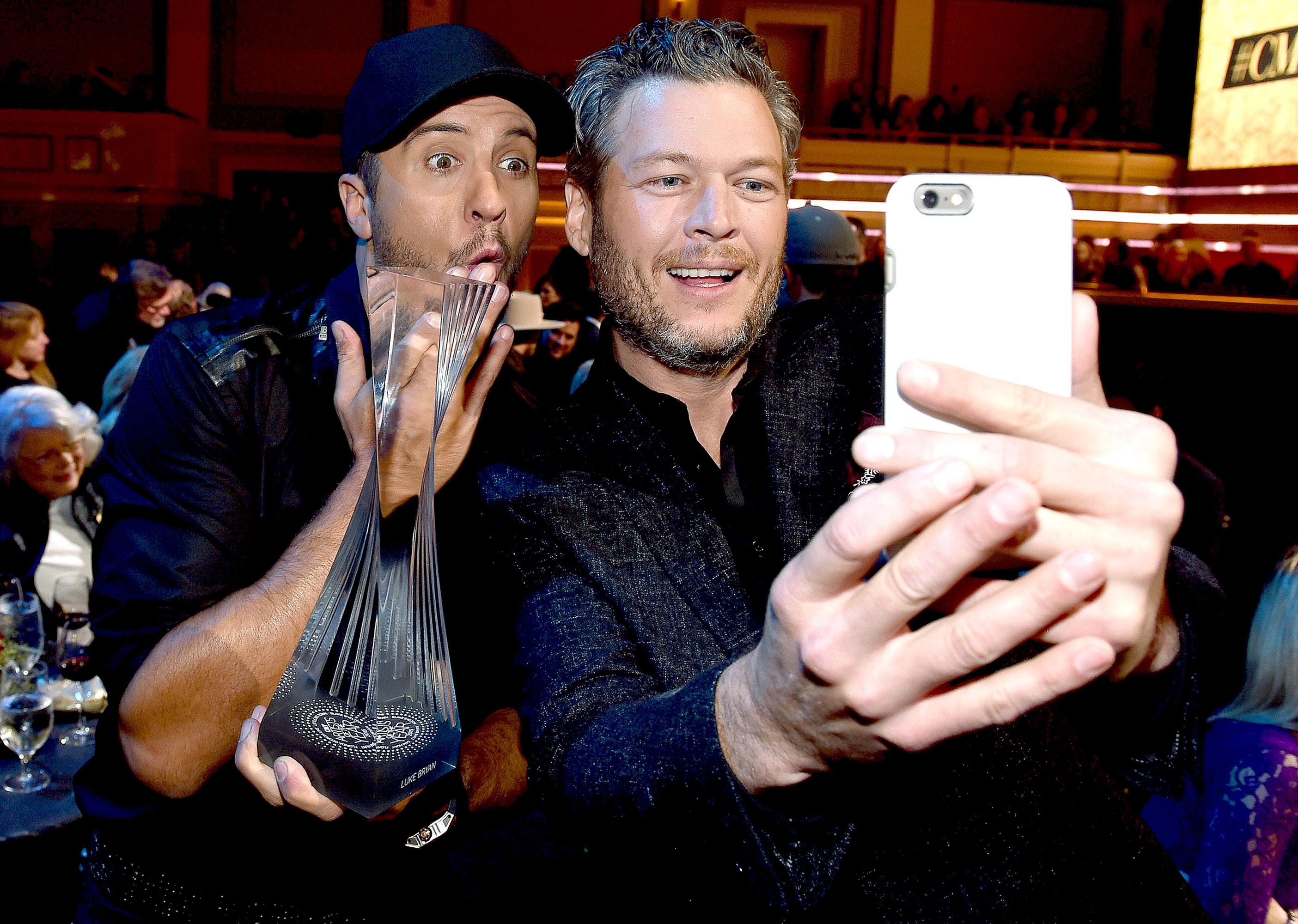 Luke bryan blake shelton doesnt want me to meet gwen stefani luke bryan and blake shelton attend the 2015 cmt artists of the year at schermerhorn symphony center on december 2 2015 in nashville tennessee m4hsunfo