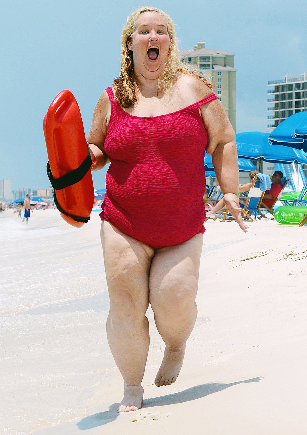 Mama June Shannon Shows Off Weight Loss In Iconic Baywatch