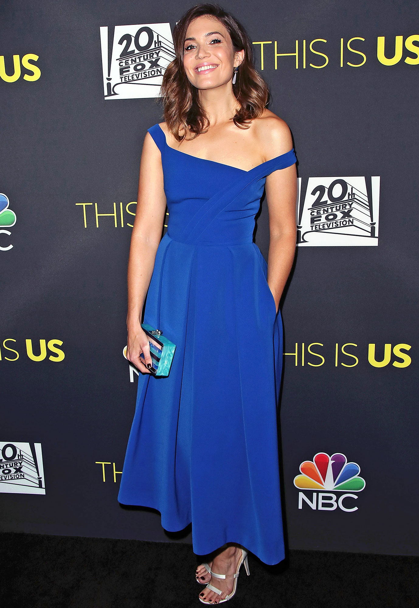 4c2ee970670f Mandy Moore s Colorful Red Carpet Style  Her 10 Top Looks!