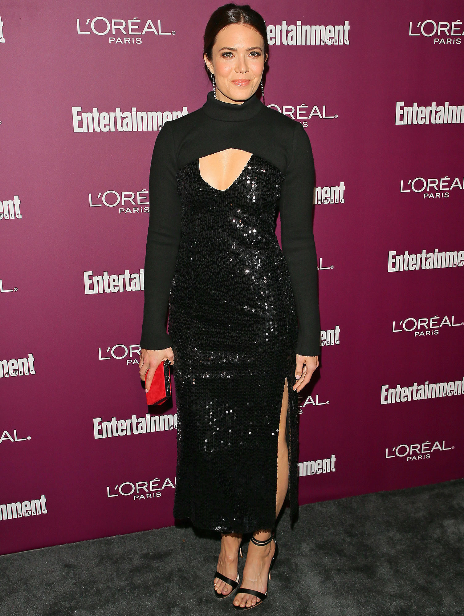Mandy Moore, 2017 Entertainment Weekly Pre-Emmy Party, Red Carpet, Engagement, Taylor Goldsmith