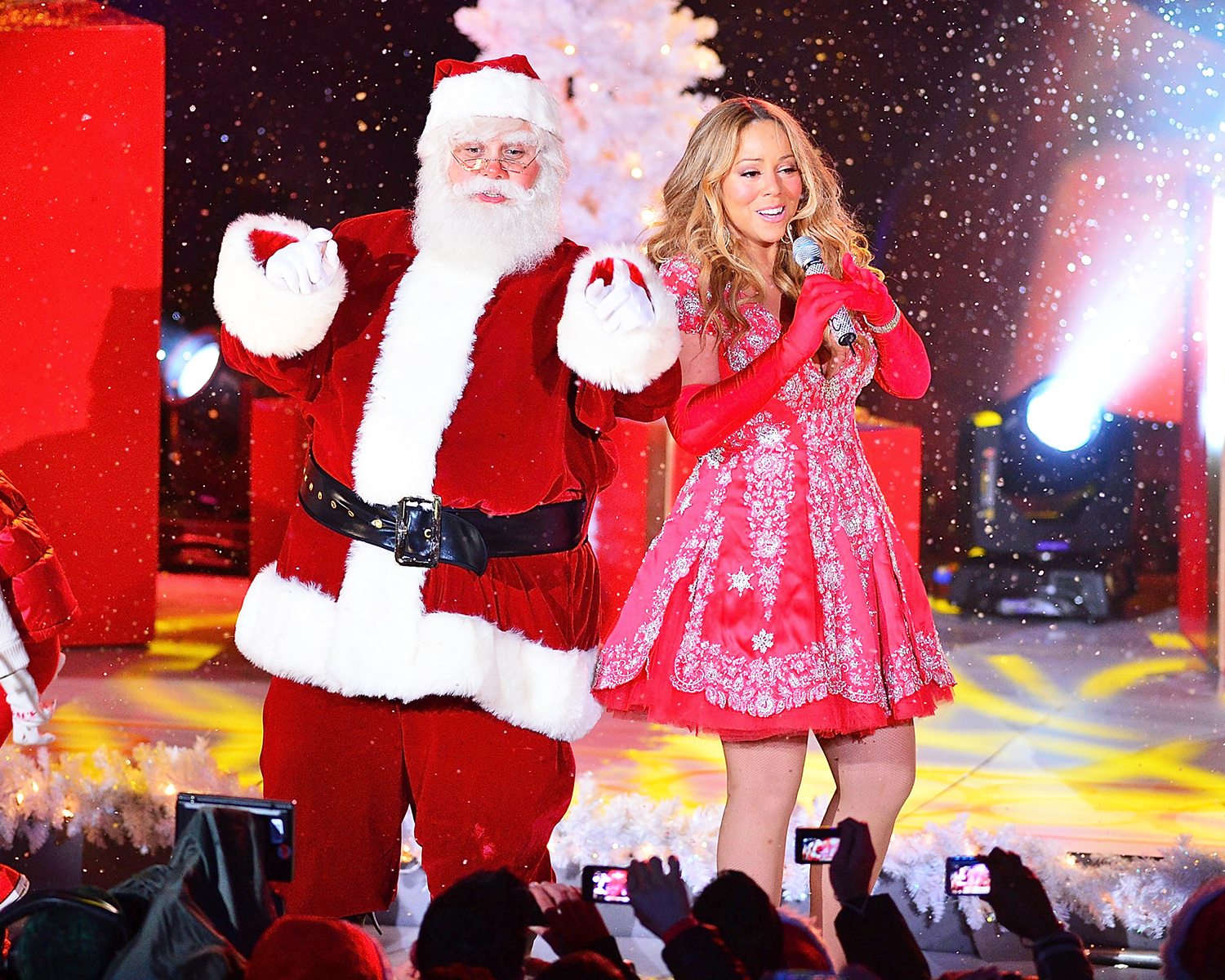 Twelve Best 1990s Christmas Songs