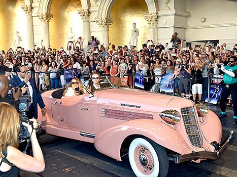 Mariah Carey - Caesars Palace (in car)