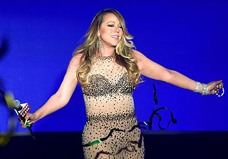 Mariah Carey - Caesars Palace (on stage)