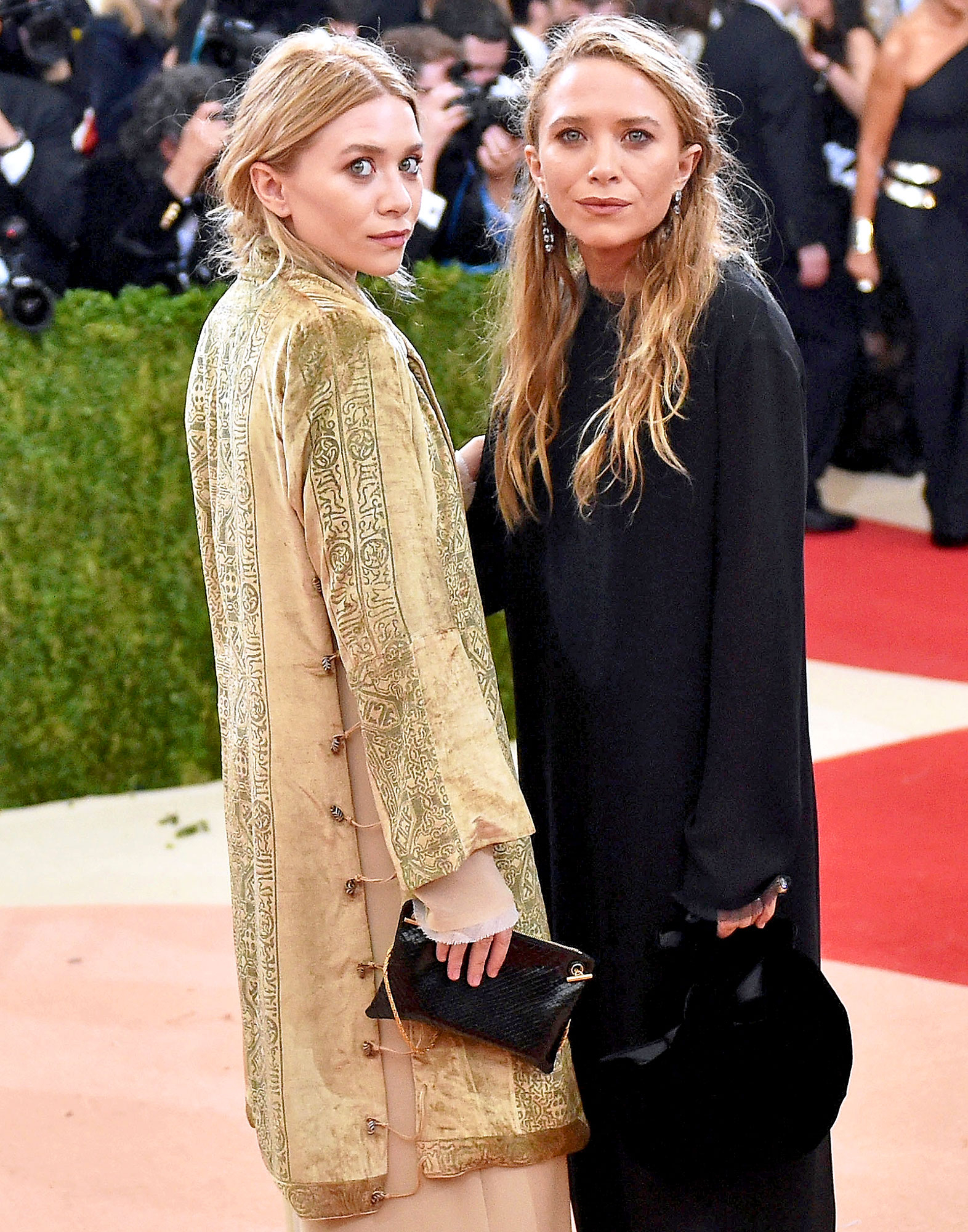 2b3ef06ca9c Mary-Kate and Ashley Olsen Through the Years