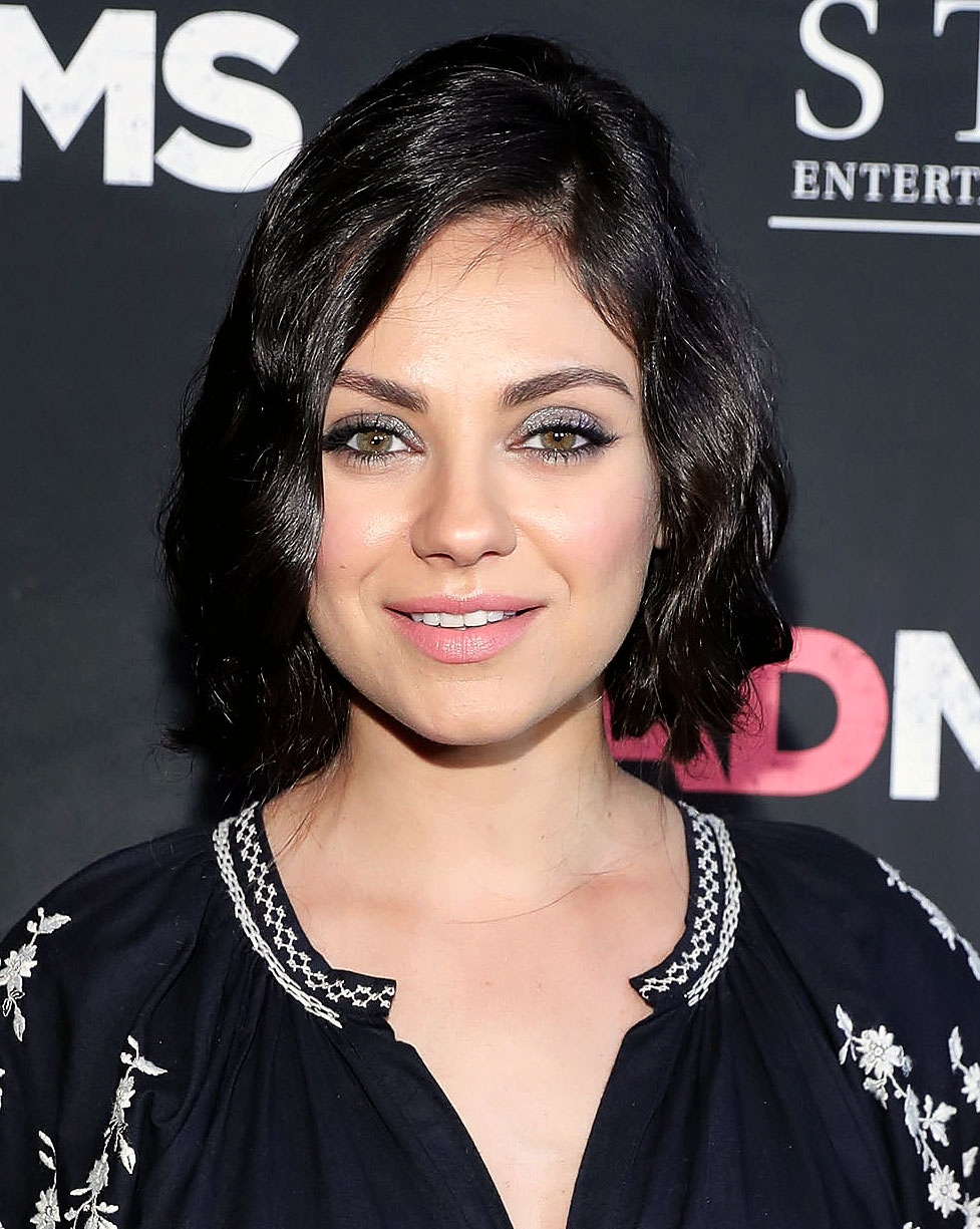 Mila Kunis Debuts a Short Hairstyle on Red Carpet: Photos