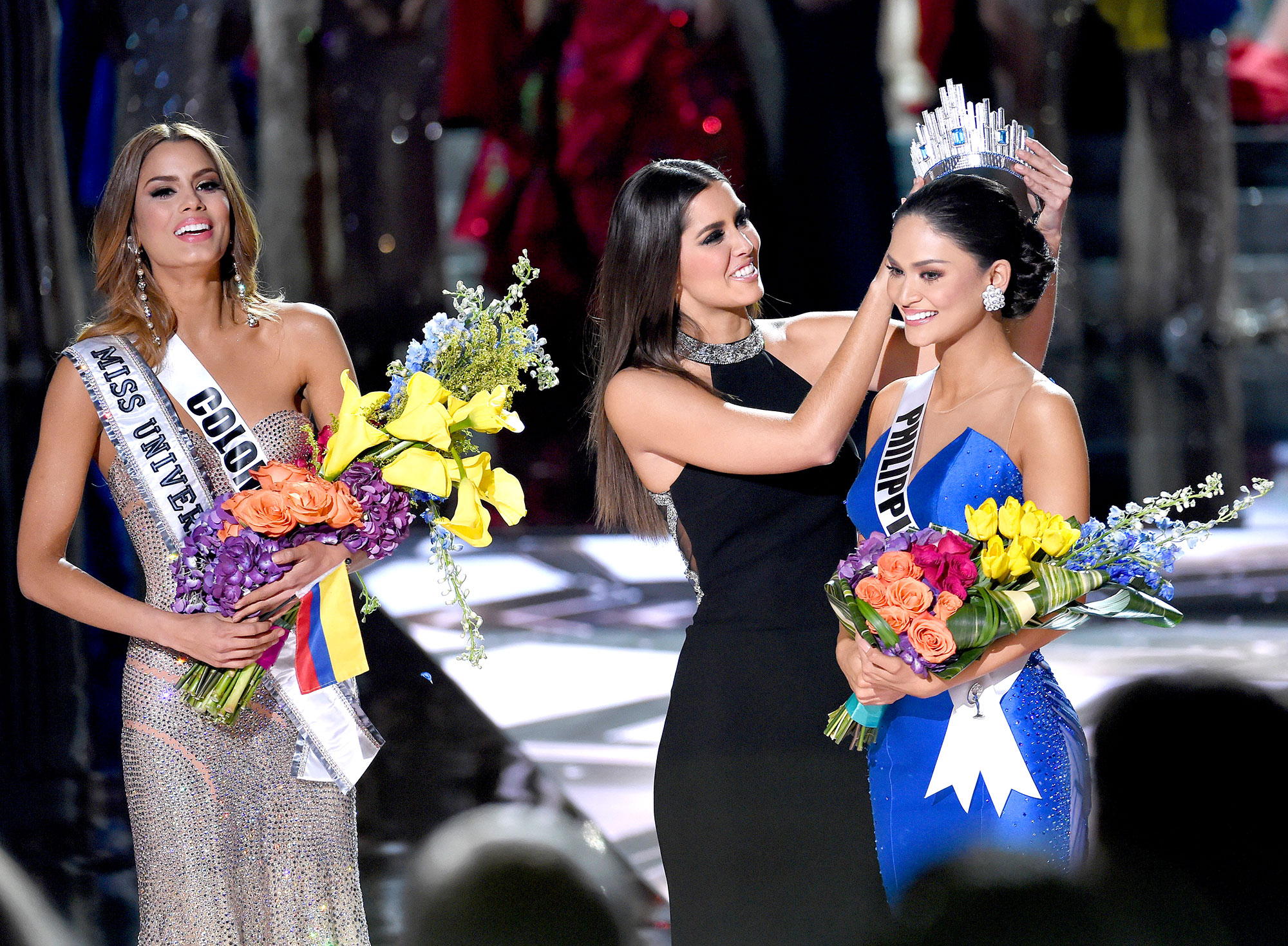 Miss Colombia is de-crowned Miss Universe 2015