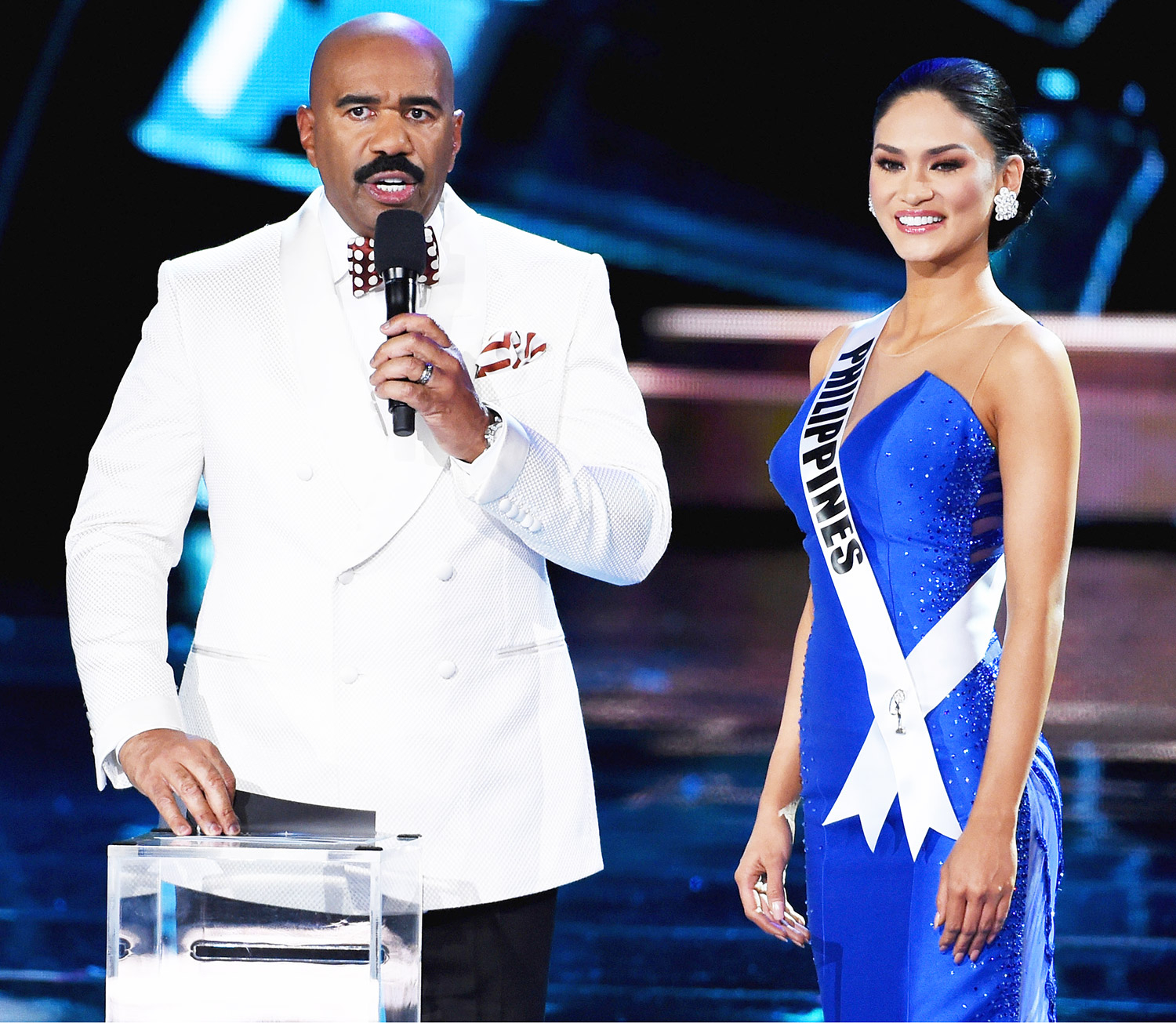 Steve Harvey and Miss Philippines