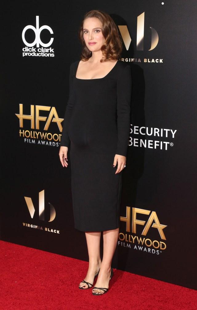 Pregnant Natalie Portman Wears Fitted Black Dress Pics