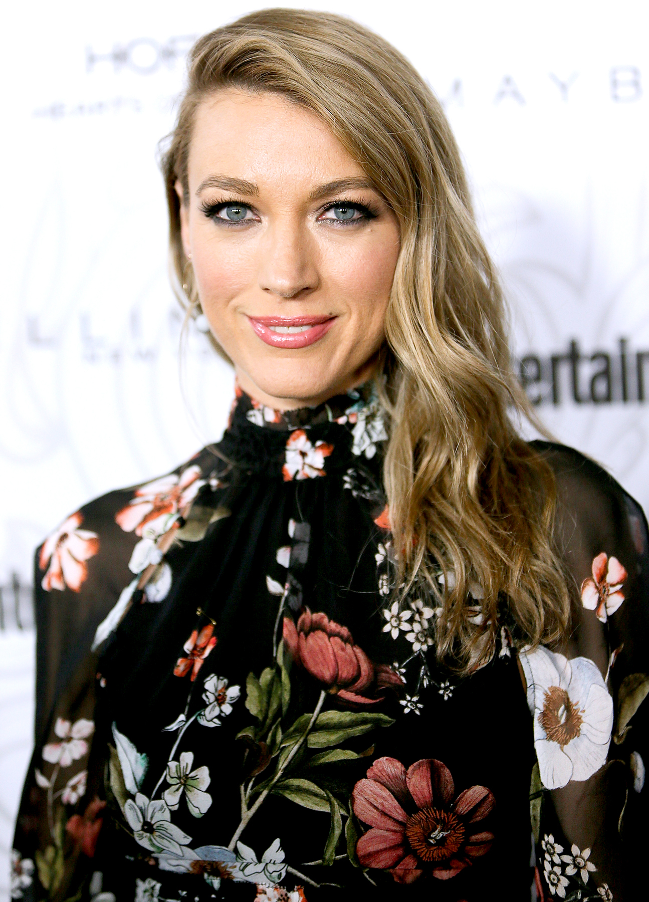 Natalie Zea arrives at the Entertainment Weekly celebration honoring nominees for The Screen Actors Guild Awards at the Chateau Marmont on January 28, 2017 in Los Angeles, California.