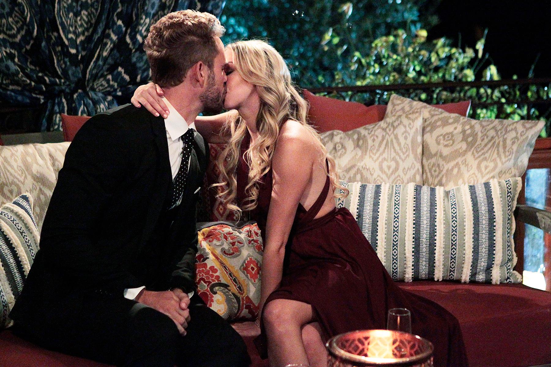 Nick Viall Corinne kissing The Bachelor