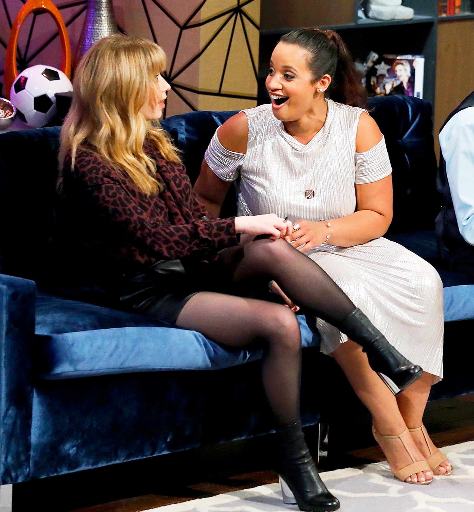 Natasha Lyonne and Dascha Polanco on 'Hollywood Game Night'