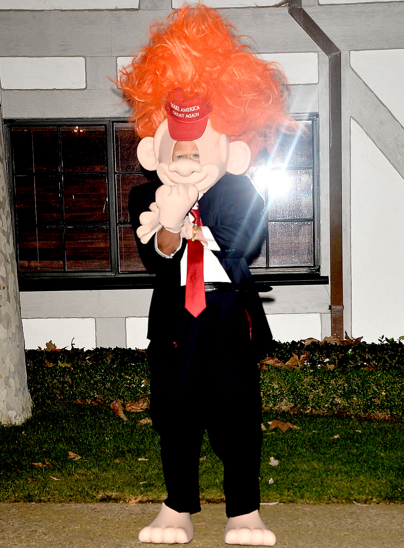 Orlando Bloom dresses as Donald Trump at Kate Hudson Halloween Party.
