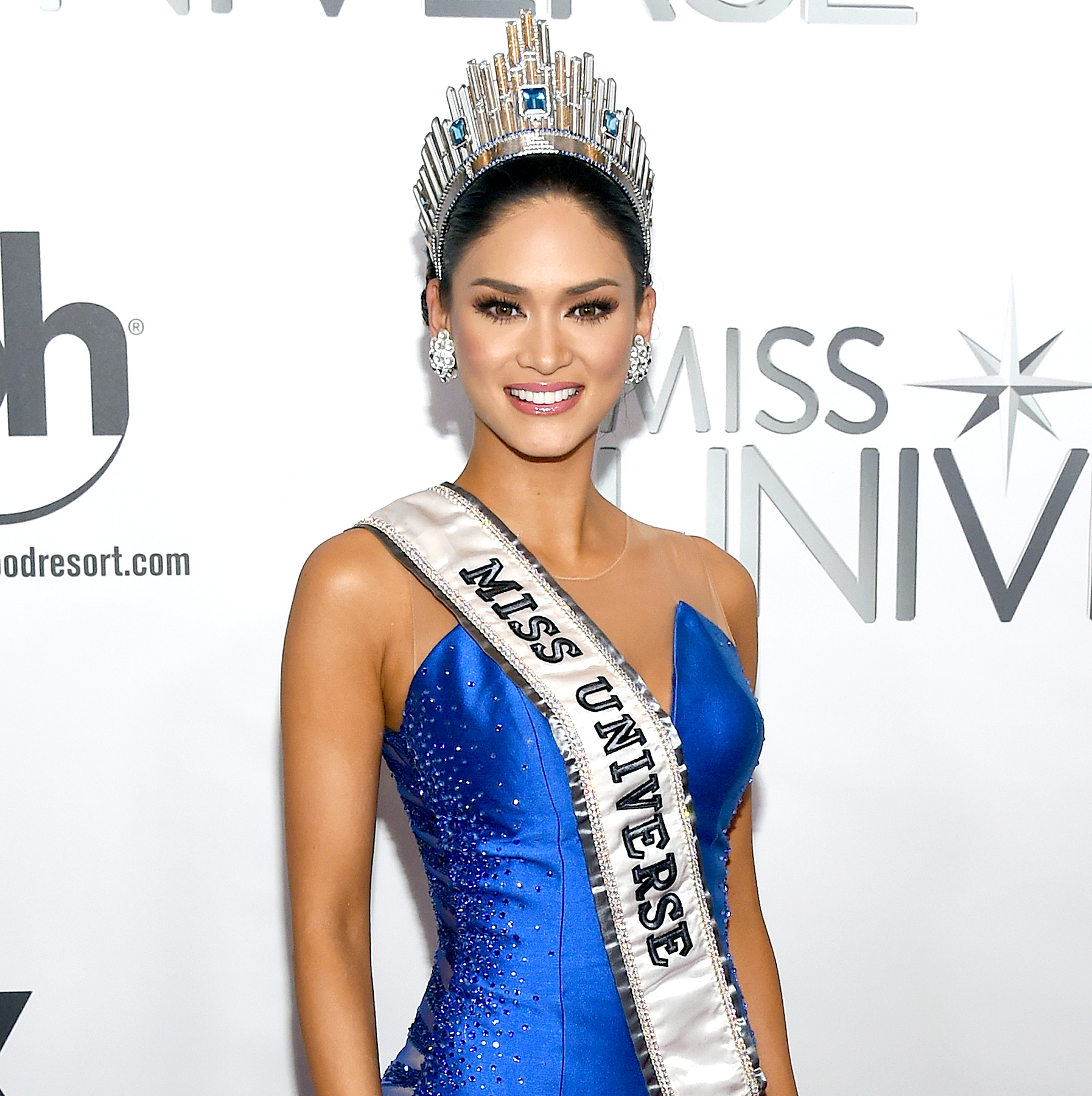 Miss Philippines 2015, Pia Alonzo Wurtzbach, poses for photos after winning the 2015 Miss Universe Pageant.