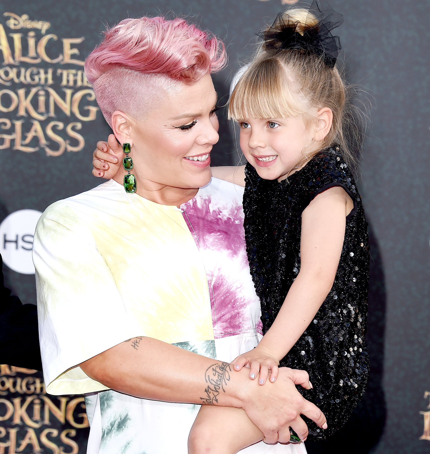 Pink And Daughter Willow Sage Hart Arrive At The Premiere Of Disney S Alice Through