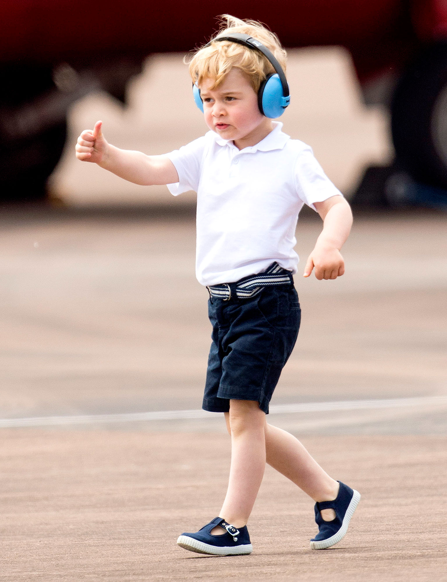 Prince George Sits In Helicopter With Kate William Pics