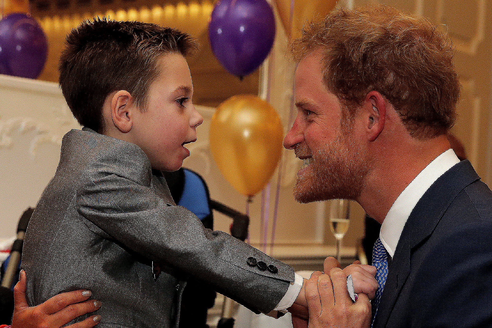 Princ - The redhead prince came face-to-face with one of the 2016 WellChild Awards winners in London in October.
