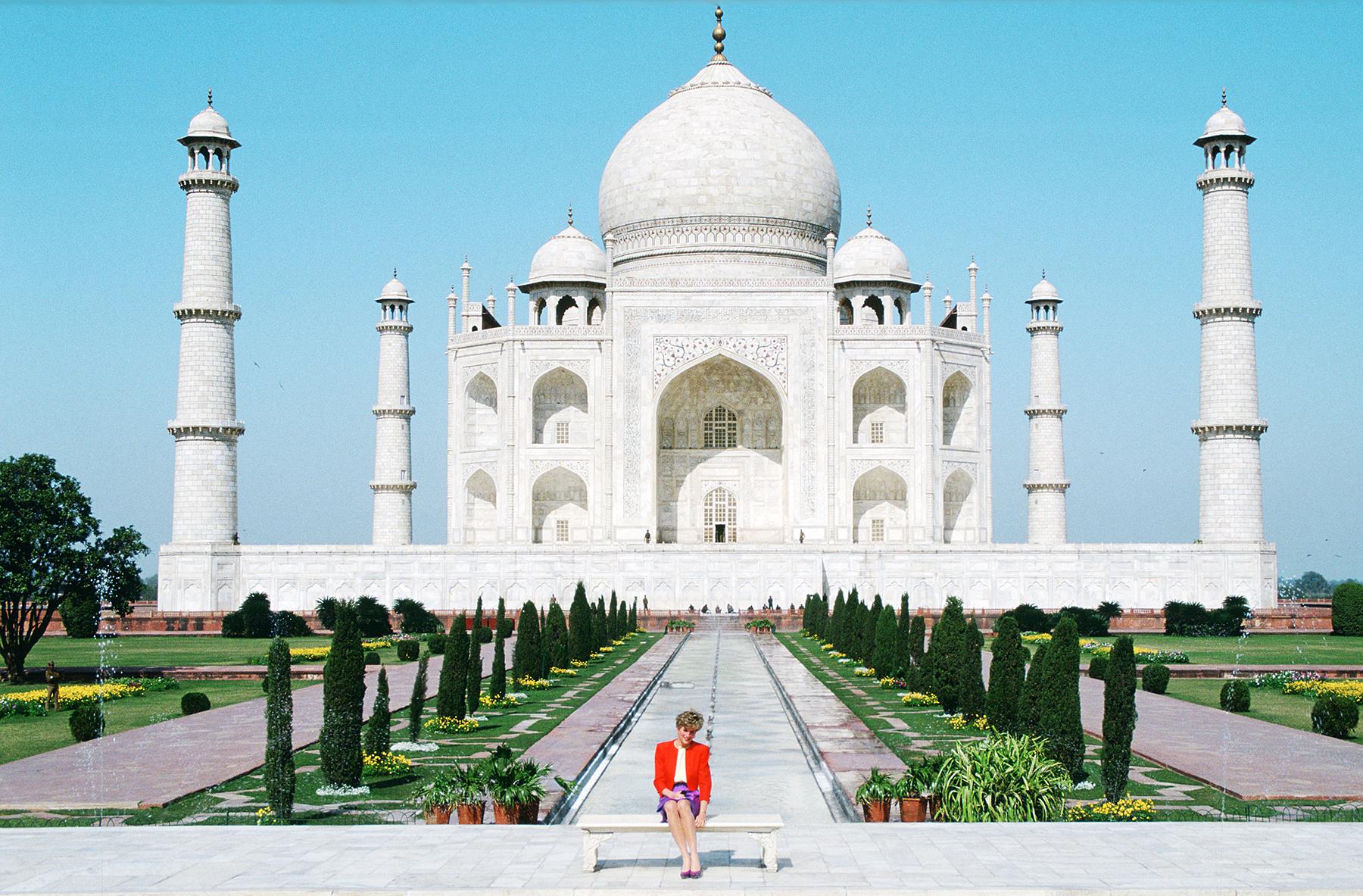 Princess Diana at the Taj Mahal in 1992