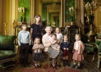 Queen Elizabeth official portrait