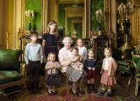 Queen Elizabeth official portrait