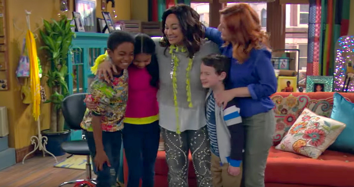 Raven S Home Trailer Introduces Raven And Chelsea S Children