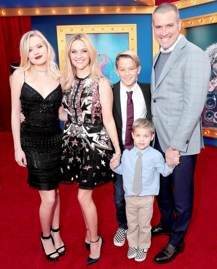 """Ava Phillippe, Reese Witherspoon, Deacon Phillippe, Tennessee James Toth and Jim Toth attend the premiere Of Universal Pictures' """"Sing"""" on December 3, 2016 in Los Angeles, California."""